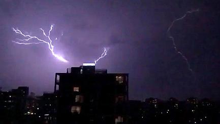Lightning storms batter Australia's East Coast