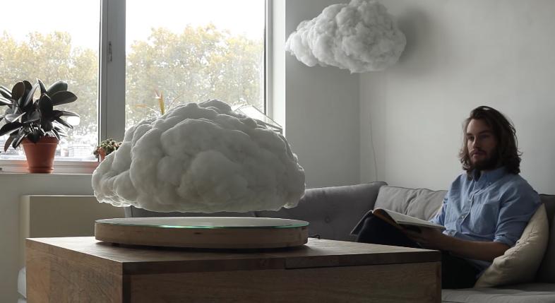 宙にフワフワ・・・雲型スピーカーが話題に 音に合わせて光ることも!【動画】