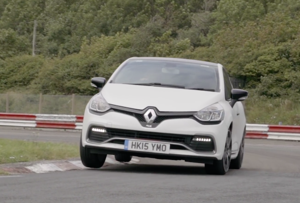 video renault clio rs trophy vs peugeot 208 gti on track battle aol uk cars. Black Bedroom Furniture Sets. Home Design Ideas