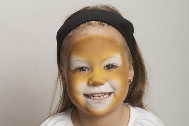 Face painting ideas: Lion