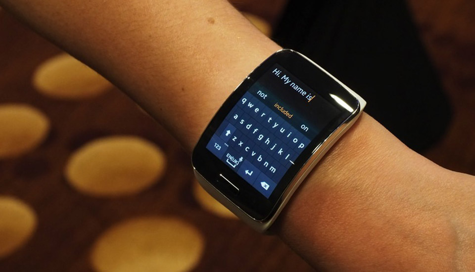 Samsung Gear S preview: What's it like to type emails on a ...