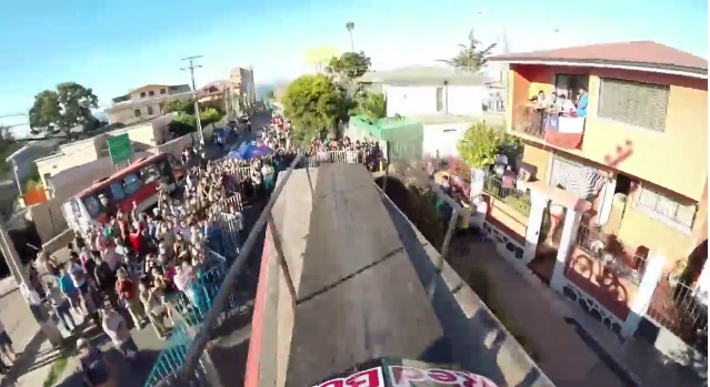 南米で行われたレッドブル主催のマウンテンバイク大会が殺人的コースすぎてヤバい【動画】
