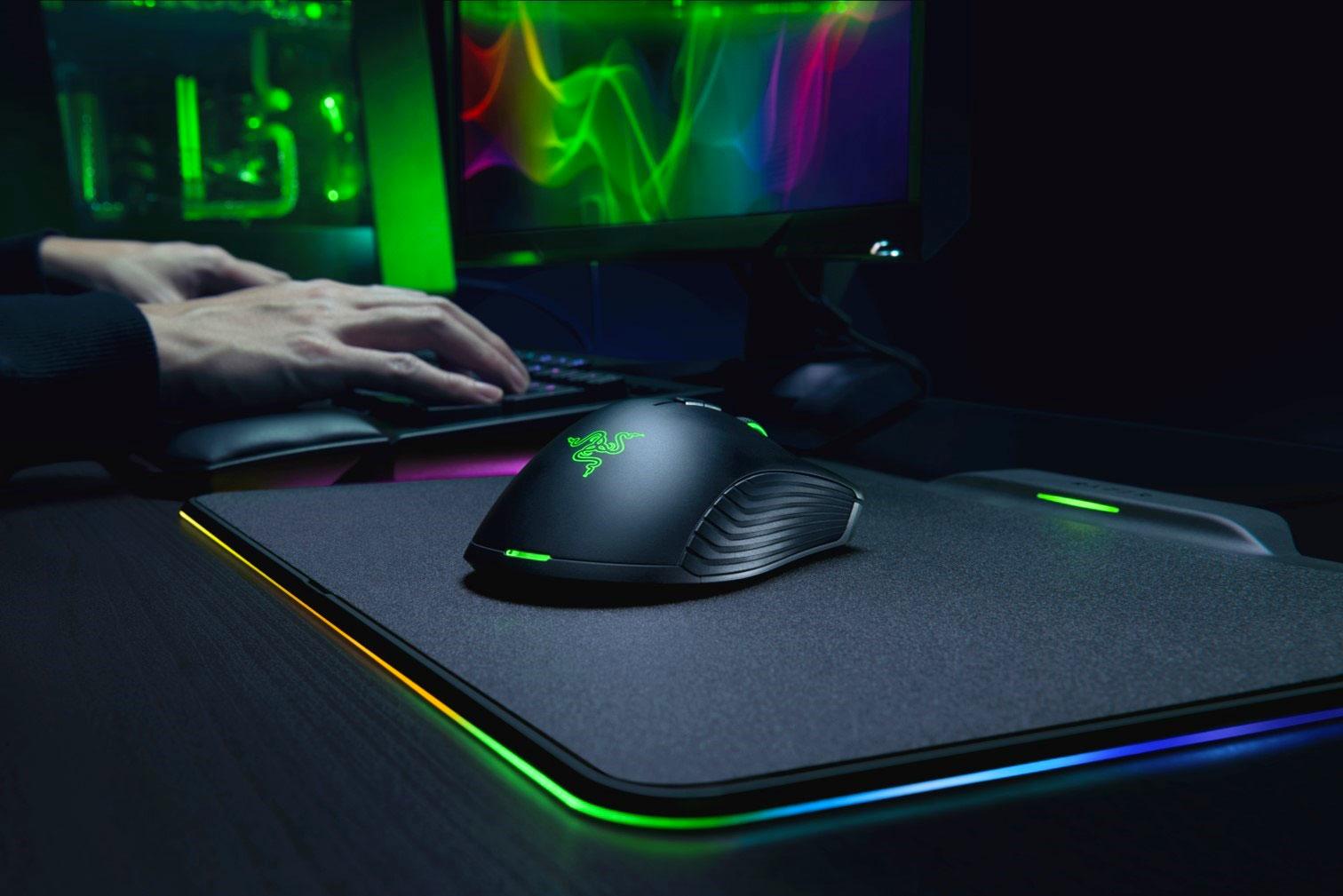 Razer Hyperflux Firefly / Mamba: Kabellose Gaming-Maus mit Ladepad