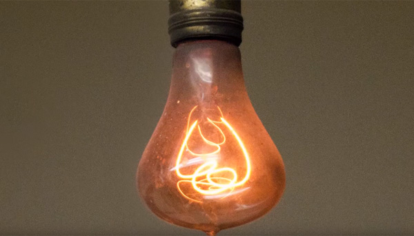 115年前からずっと点灯し続ける電球が存在!定点実況動画も大人気【動画】