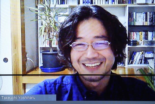 竹内義晴(たけうち・よしはる)。新潟に住みながらサイボウズで複業するコミュニケーションの専門家。「楽しくはたらく人を増やす」が活動のテーマ。NPO法人しごとのみらい理事長。