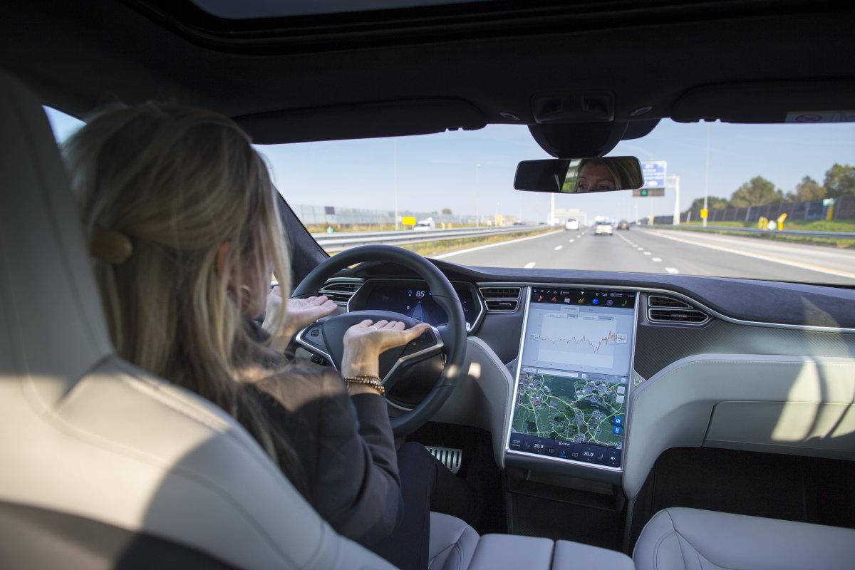Tesla ruft alle Model S wegen defektem Sicherheitsgurt zurück