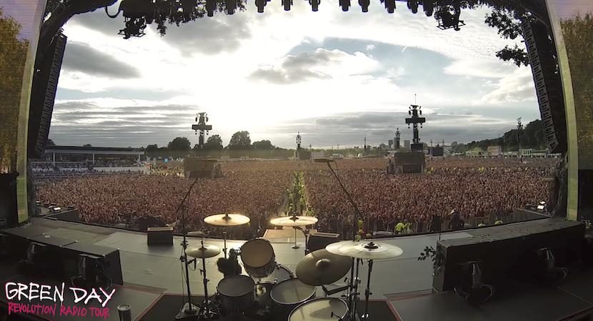 """Gänsehaut: 65.000 Green-Day-Fans singen """"Bohemian Rhapsody"""""""