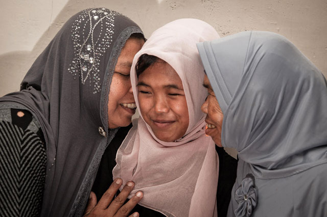 Girl feared dead in Boxing Day tsunami reunited with parents 10 years later