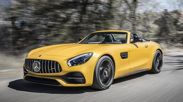 Mercedes-AMG GT-C Roadster Fahtveranstaltung Phoenix 2017  AMG solarbeam; Leder Exclusiv Nappa / Microfaser DINAMICA schwarz / graue Ziernähte.  GT C Roadster Kraftstoffverbrauch kombiniert: 11,4 l/100 km CO2-Emissionen kombiniert: 259 g/km Fuel consumption combined: 11.4 l/100 km Combined CO2 emissions: 259 g/km    Mercedes-AMG GT-C Roadster Press Test Drive Phoenix 2017  AMG solarbeam; Exclusive Nappa leather / DINAMICA microfiber black / grey topstiching  GT C Roadster Kraftstoffverbrauch kombiniert: 11,4 l/100 km CO2-Emissionen kombiniert: 259 g/km Fuel consumption combined: 11.4 l/100 km Combined CO2 emissions: 259 g/km