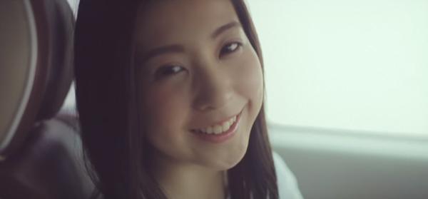 板野友美の妹・板野成美が「ともちんにそっくり」と話題に 恋人目線の表情が可愛すぎる【動画】
