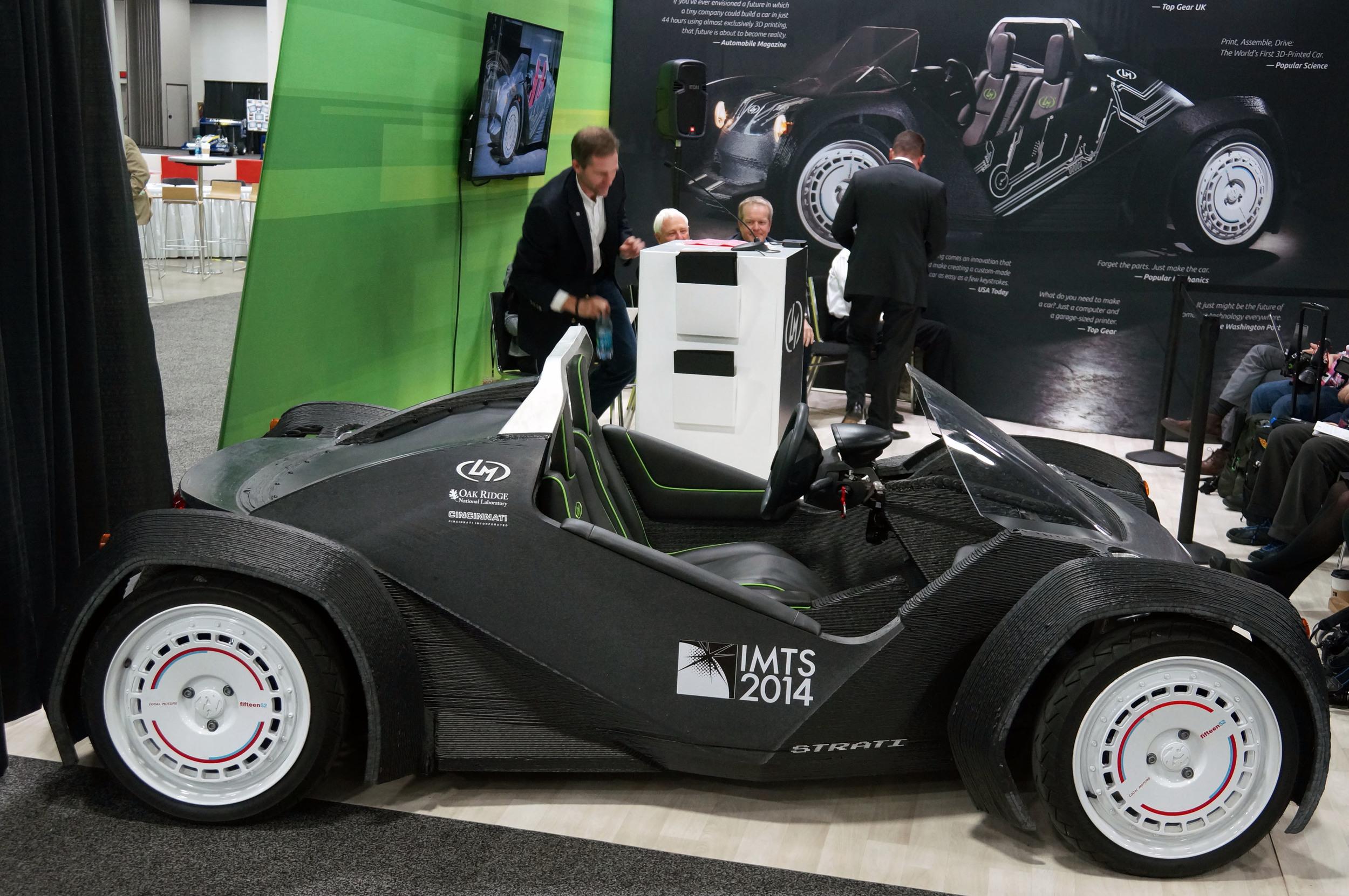 【北米国際自動車ショー2015】世界初! 3Dプリンターで作られた電気自動車「ストラティ」