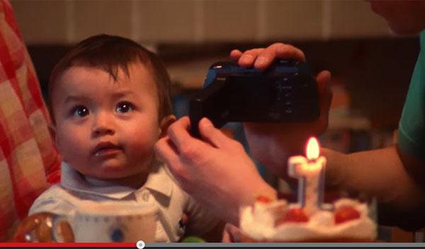 生まれてから1000日間、子どもの成長を撮りためたムービーが感動的