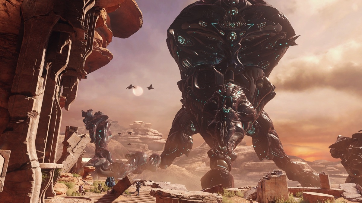 Yes, Microsoft is still working on a 'Halo' TV series