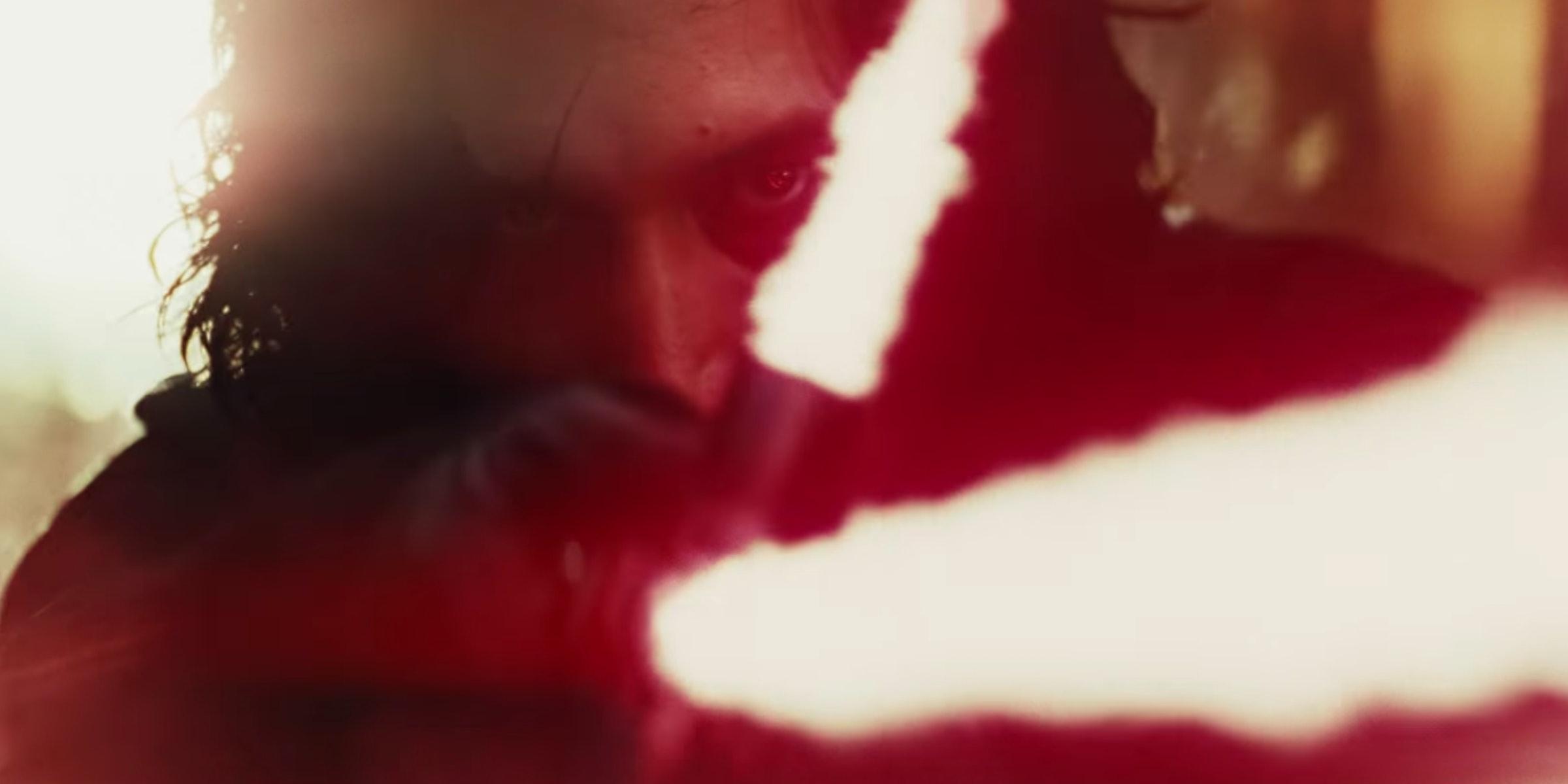 El director de Los últimos Jedi explica por qué ha cambiado la cicatriz de Kylo Ren