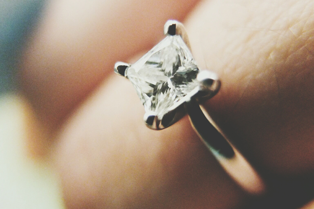 big engagement rings are bad news for marriage says study