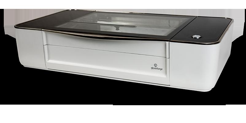 有了這部雷射切割機,在家沒事就能切切紙、巧克力還有 MacBook