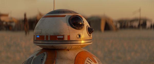 『スター・ウォーズ/フォースの覚醒』コロコロ愛されドロイド・BB-8にモテ仕草を学べ!【動画】