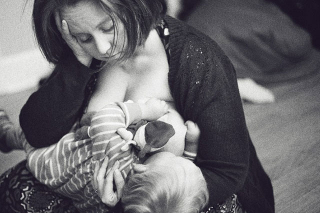 Breastfeeding selfies: New trend for mums to capture precious nursing moment