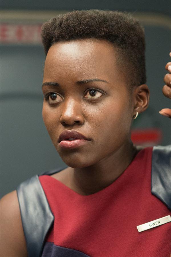 オスカー女優が最新作で見せた衝撃の角刈りヘアに話題殺到