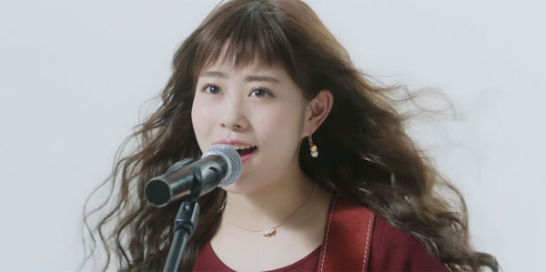 CMで歌声を披露する高畑充希さんの高画質な画像