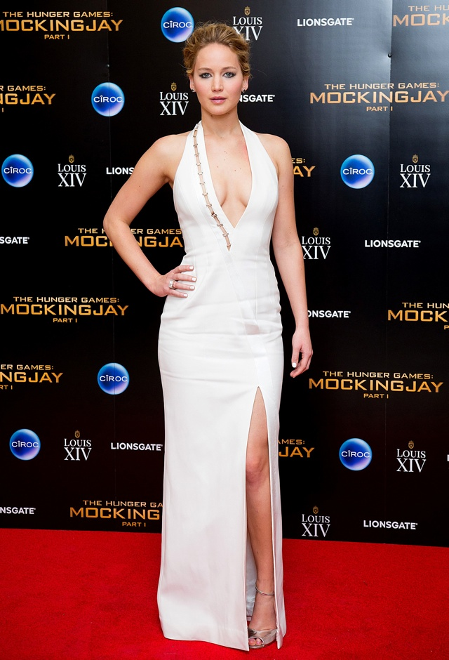 Jennifer Lawrence wows at The Hunger Games: Mockingjay London premiere