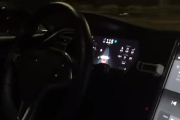 【ビデオ】高速道路でテスラの自動運転システム「オートパイロット」を試してみた