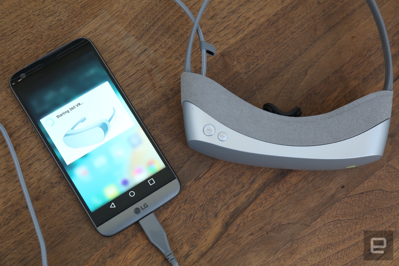 LG acompaña al G5 con unas gafas VR y una cámara esférica