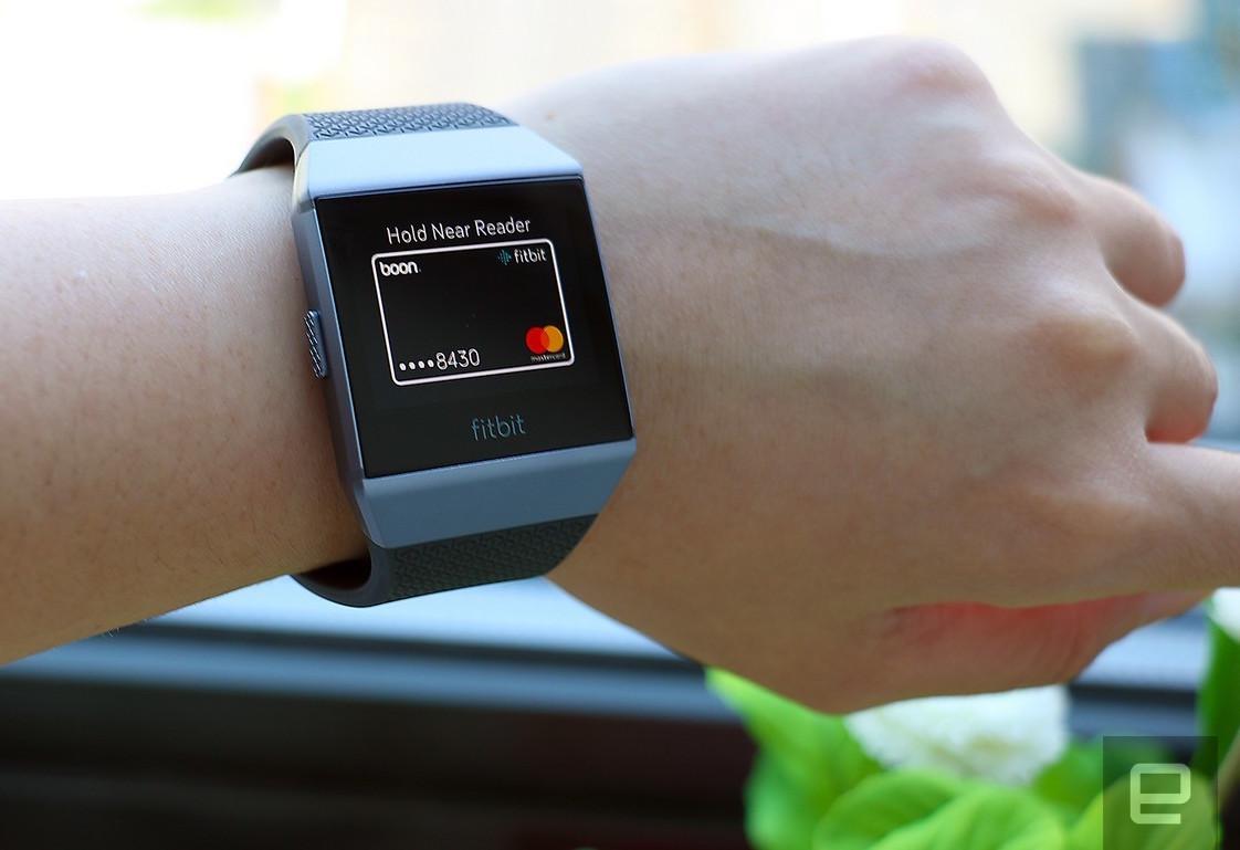 Fitbit Ionic: Starke Smartwatch mit App-Fragezeichen