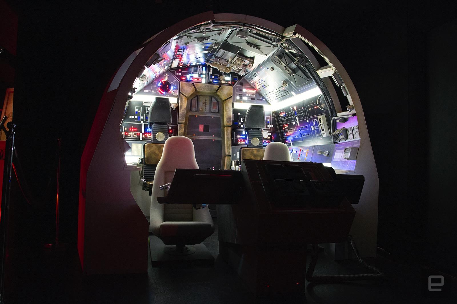 Date un paseo por la incre ble star wars gallery de for Interior halcon milenario