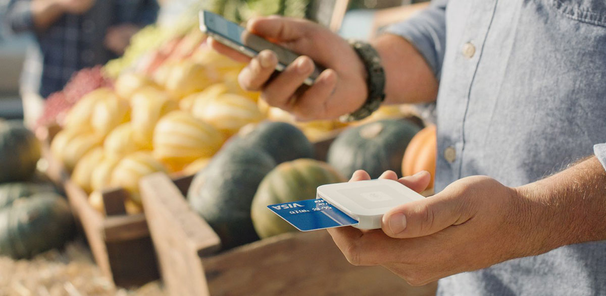 Square's new reader arrives to accept mobile payments and chip cards