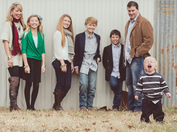 All It Takes Is One Kid To Completely Ruin A Family Photo