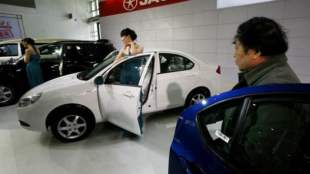 フォルクスワーゲン、中国向け新型電気自動車を新たなブランド名で販売