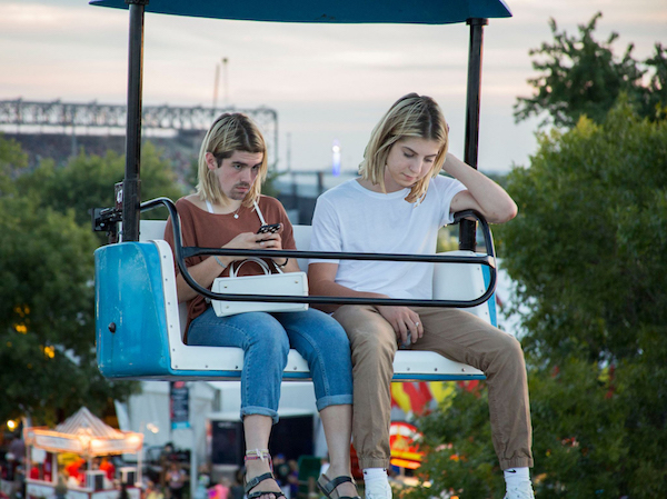 Miserable Guy On Ferris Wheel With Girlfriend Gets The Photoshop Treatment