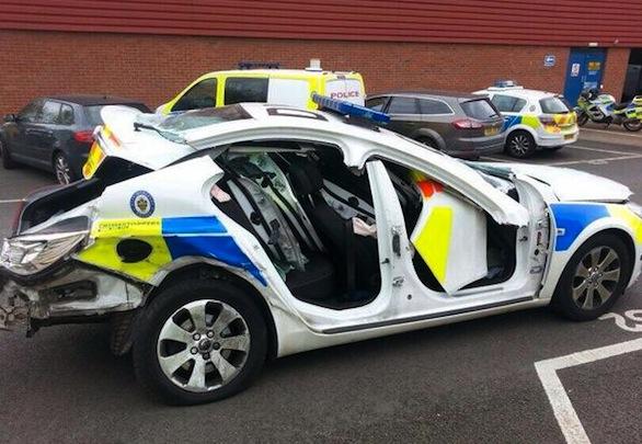 suspected drink driver ploughs into police car aol uk cars. Black Bedroom Furniture Sets. Home Design Ideas