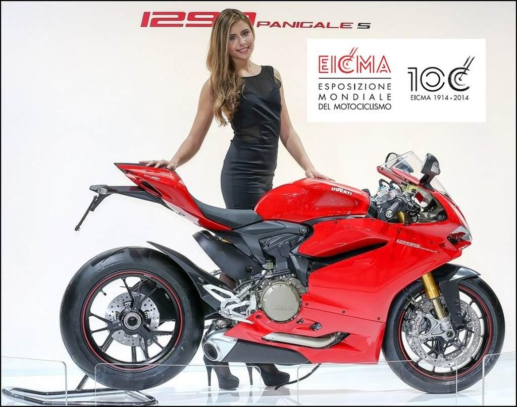 Die weltgrößte Motorradmesse EICMA 2014 hat hot Bikes und sexy Girls zu bieten