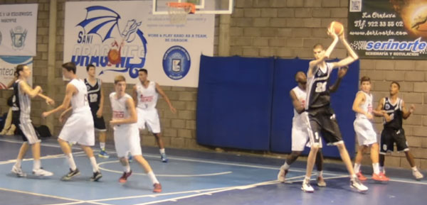 身長2メートル29センチ!現在も肉体改造中!!反則すぎる15歳バスケ選手が話題に【動画】