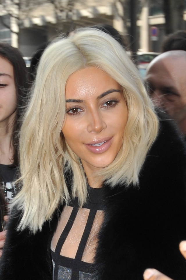 Kim Kardashian has a contouring makeup fail at PFW (eek)