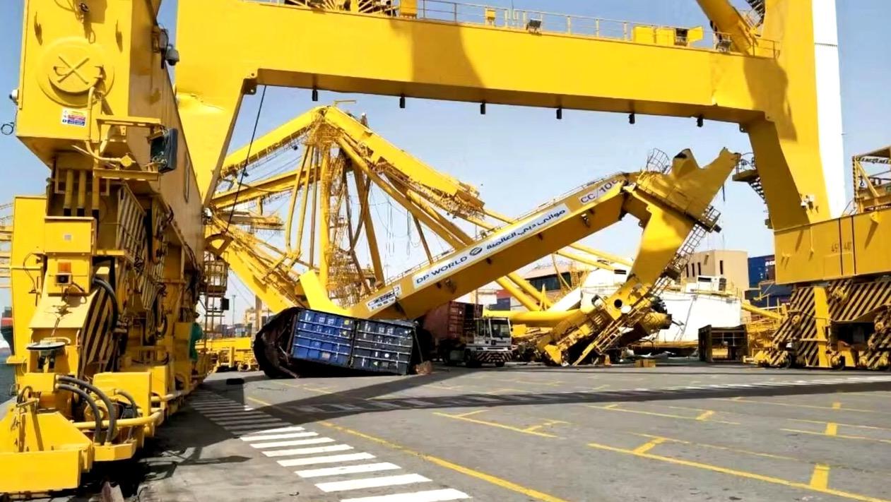 Port Dubai: Monsterfrachter plättet nagelneue Containerbrücke