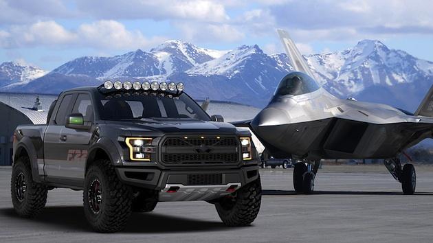 フォード、戦闘機「F-22 ラプター」をモチーフにした特別な「F-150 ラプター」をオークションに出品