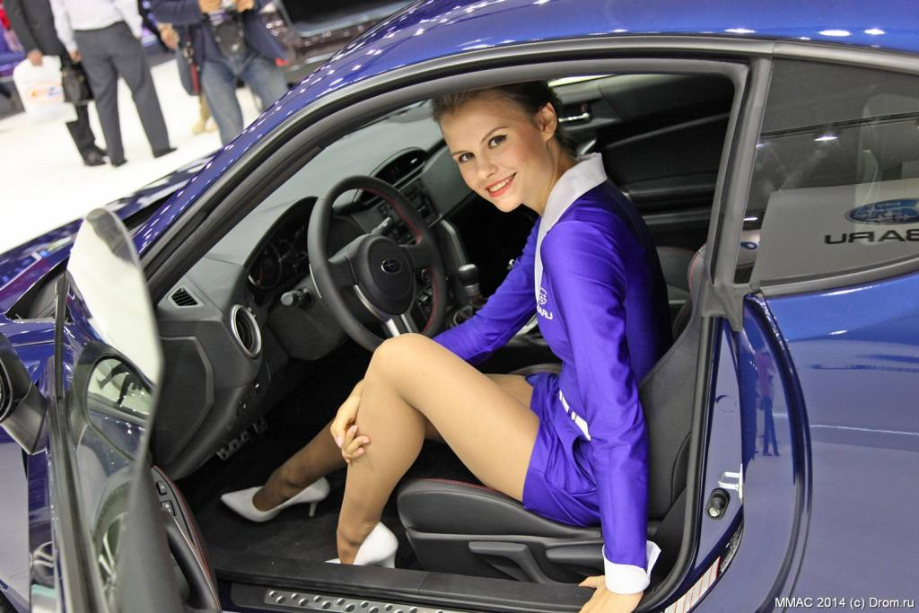 From Russia with Love: Sexy Girls des Mokau Auto Salon