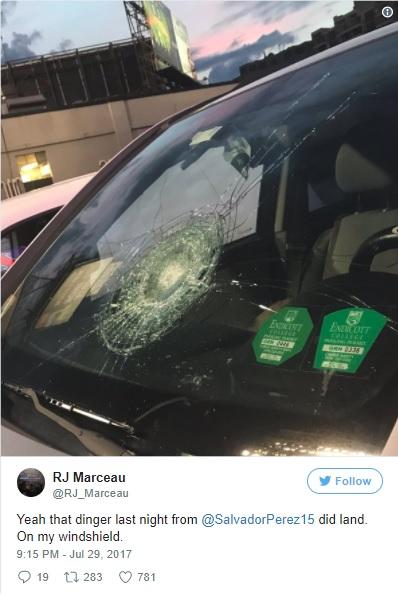 サルバドール・ペレス選手の場外ホームランがレッドソックス関係者の車のフロントガラスを直撃!