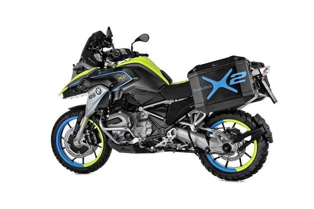 独のパーツメーカーが2輪駆動でハイブリッドのBMWバイクを製作