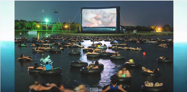 4Dなんて甘い!水上で映画「ジョーズ」を鑑賞する試写会が怖すぎる