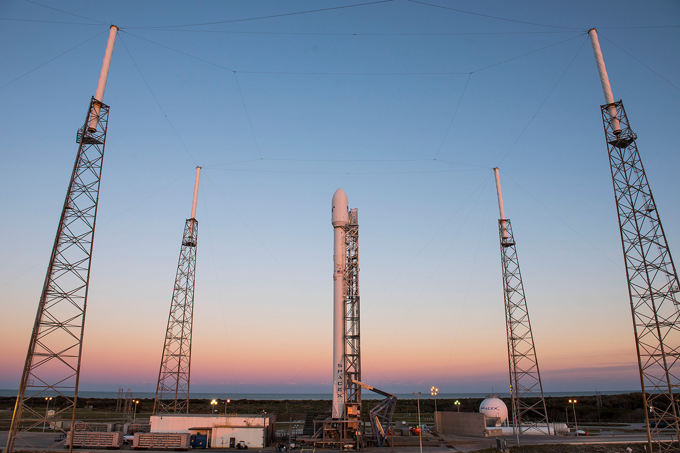 SpaceX will attempt another launch and sea landing today (updated)