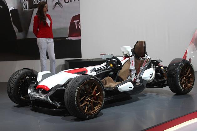 【フランクフルトモーターショー2015】ホンダ、サイドカーのような見た目の「プロジェクト2&4」を初公開(ビデオ付)