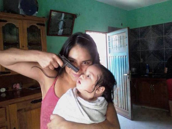 Mom Selfies That Prove They Suck At Motherhood