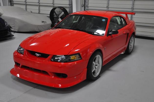 新車同然の2000年型フォード「マスタング・コブラR」が、eBayで売り出し中!