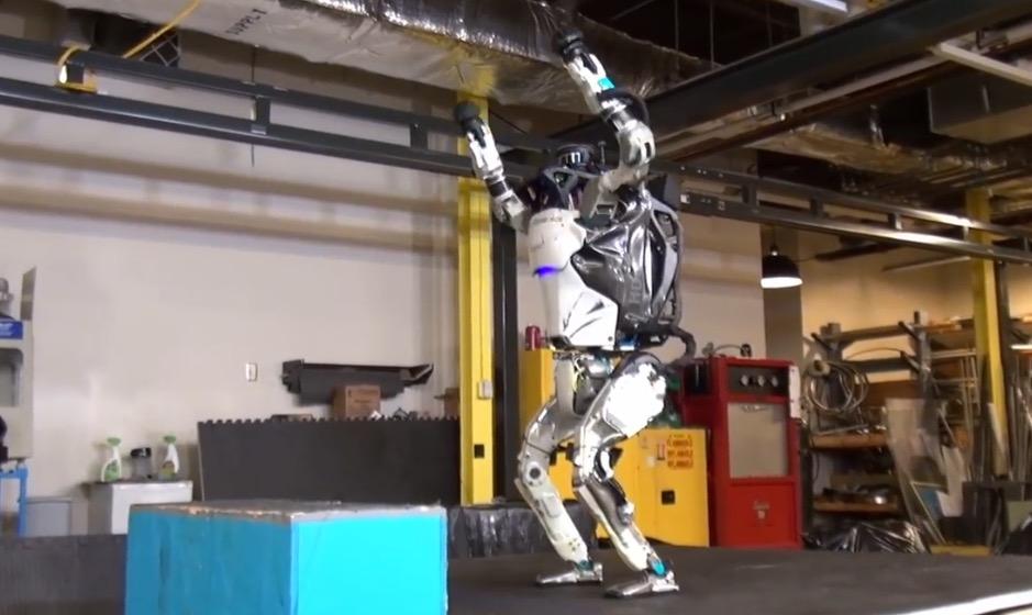 Atlas: Humnanoider Bot beherrscht jetzt Rückwärts-Saltos