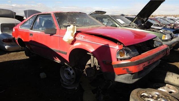 1985年型トヨタ「セリカ リフトバック」をコロラド州の廃車置場で発見