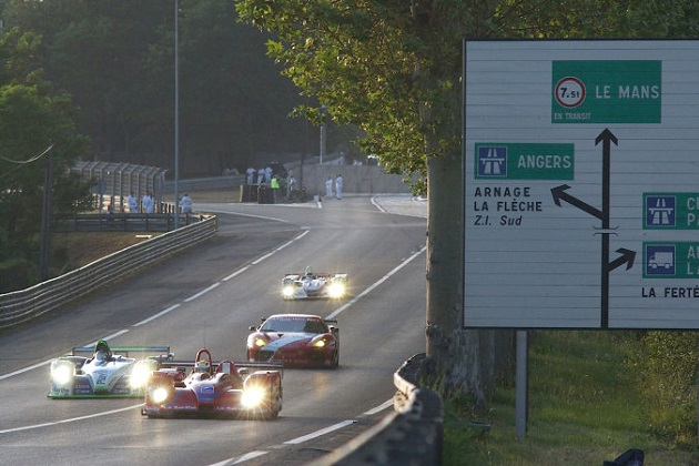 ル・マン24時間レースの準備には、ちょっとした軍隊並みの人員が必要